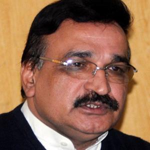 Dr.Israr Shah